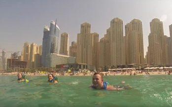 Dubaihin avattiin valtava kelluva vesipuisto + KUVAT & VIDEOT!
