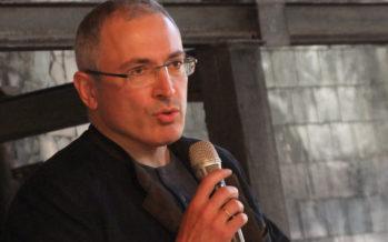 Liikemies Mihail Hodorkovski sai oikeuden päätöksellä suuren määrän rahaa takaisin
