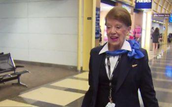 Maailman vanhin lentoemäntä? American Airlinesilla työskentelevä Bette Nash on ollut alalla 60 vuotta!