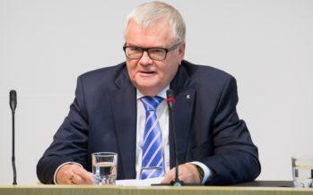 Viron keskustapuolue päätti maksaa Edgar Savisaaren puolesta Tallinnan kaupungille lähes 117.000 euroa
