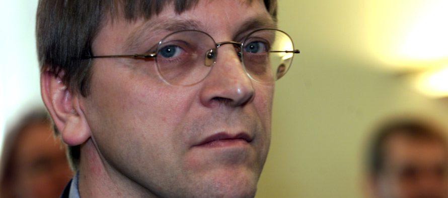 Guy Verhofstadt asettuu ehdolle europarlamentin johtajaksi
