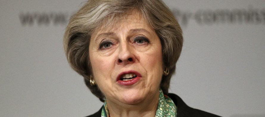 Britannian pääministeri Theresa May puhui Viron ja Latvian puolustamisesta: britit tulevat apuun, samoin USA