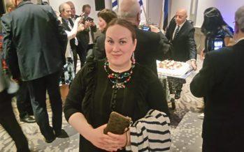 Israelin 69. syntymäpäivän juhlinnat Virossa ja Suomessa + VALOKUVAT (kutsut, lahja suurlähettiläälle ja Israel69-korut)