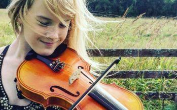 Exclusive haastattelu! Nuori viulunsoittaja Estella Elisheva antaa Viron teattereille tunnustusta