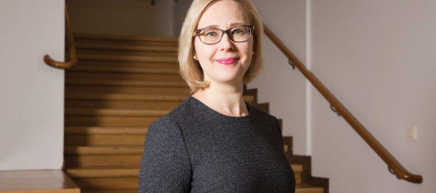 Puhemiesvaltuuskunta Tukholmaan Suomen 100-vuotisjuhlaseminaariin