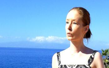 Iina Koppinen: Pienet tervehdykset kuvin, Adejesta