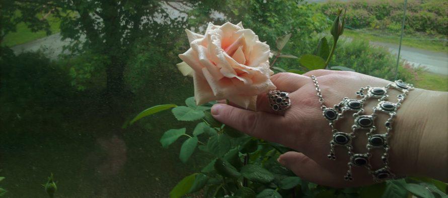 Tuija Järvinen: Ensimmäinen taojooga ja meditaatiokokeiluni